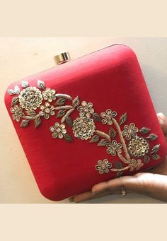 Zardozi Embroidery, Hand Embroidery, Vintage Flower Girls, Bridal Clutch, Clutch Bags, Red Fabric, Embroidered Blouse, Bag Making, Purses And Handbags