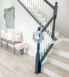 Shabby Chic Cupcakes, Shabby Chic Dining Room, Character Home, Spring Home Decor, Stay At Home Mom, Gray Bedroom, Spring Has Sprung, Old World Charm, Light Colors