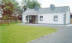 Woodlands Inn, Loughglynn, Castlerea, County Roscommon (Sleeps 1-6) Self Catering Holiday Accommodation in Ireland. Treat Yourself – Luxury – Travel –  Golfing Holiday
