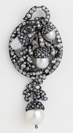 Diamond and pearl Brooch and pendant c. 1870-1900 France