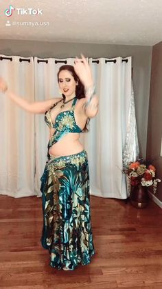 Belly Dance Lessons, Dance Tips, Belly Dancing Videos, Dance Videos, Belly Dancer Costumes, Belly Dancers, Dance Outfits, Dance Dresses, Beautiful Girl Dance