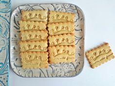Nyomd ide, nyomd oda: pecsételhető keksz alaprecept - Mom With Five Choco Fresh, Dessert Recipes, Desserts, Cookie Decorating, Biscuits, Yummy Food, Snacks, Cookies, Bakken