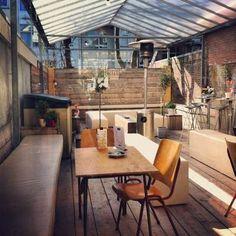 """""""Ook als het regent kunt je hier heerlijk buiten zitten met een Latte."""" Het Lokaal ✮ Klik voor locatie en reviews! http://tupalo.com/nl/rotterdam/het-lokaal"""