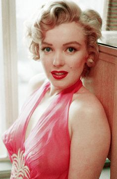 Marilyn Monroe photographed by Philippe Halsman,1952