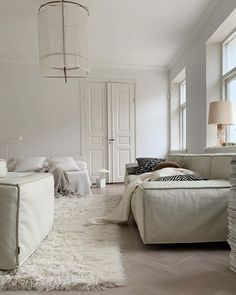Home Interior Velas Home Design, Home Interior Design, Interior Architecture, Interior Plants, Cheap Rustic Decor, Cheap Home Decor, Home Living Room, Living Room Decor, All White Bedroom