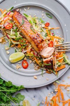 Asian-style Salmon with Carrot and Cucumber Slaw in Peanut Dressing by vikalinka paleo dinner salmon Salmon Dishes, Fish Dishes, Seafood Dishes, Salmon Recipes, Fish Recipes, Asian Recipes, Healthy Recipes, Asian Salmon, Clean Eating