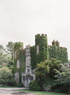 Pagan Wedding, Irish Wedding, Dream Wedding, Castle Pictures, Harry Potter, Ireland Wedding, Fairytale Castle, Abandoned Castles, France