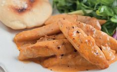 Creamy Paprika Chicken: an effortless family dinner made with chicken fillets and a Chicken Quick Dinner Recipes, Good Healthy Recipes, Quick Easy Meals, Easy Recipes, Healthy Dinners, Chicken Recipes, Chicken Meals, Food And Drink, Healthy Eating