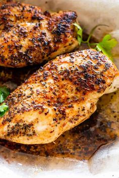Juicy Stove Top Chicken Breasts – Tried and true method for preparing the most tender and juicy chicken breasts right on the stove top. These are the BEST pan-seared chicken breasts exploding with flavor, and they are ready in just around 15 minutes! Pan Cooked Chicken, Stove Top Chicken, Pan Seared Chicken, Baked Chicken, Moist Chicken, Garlic Butter Chicken, Skillet Chicken, Keto Chicken, Shredded Chicken