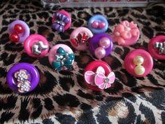 Organizando brincos com botões