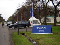 Volvo auspiciando nuestros conciertos en Countries. Stand y prueba de manejo en Abril C.C.