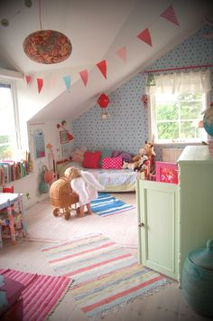 big girl room - love the bunting and colors