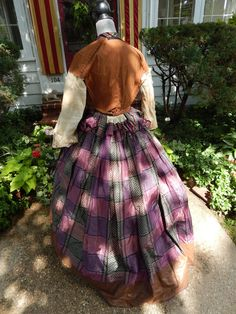 """interior - Museum Quality Antique Victorian Nineteenth Century Civil War ERA1860's Gown   eBay shermarieeliabeth; silk taffeta, New Hampshire estate; 11"""" opening at sleeves;center bone under front buttons, boning in back, small watch pocket in bodice, lined with brushed cotton; 7.5"""" cotton hem lining; bodice: 32""""; waist: 23""""; skirt: waist: 24""""; skirt length: 42.5-47""""; hem width: 177"""""""