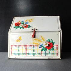 Vintage Tin Storage or Bread Box.