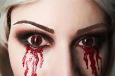 Beautiful Alice: Madness Returns hysteria makeup. - 15 Alice: Madness Returns Cosplays