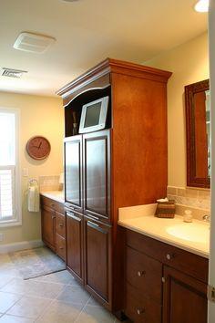 Ordinaire Cherry Wood Bathroom   Tile Backsplash, Cherry Cabinetry, Granite  Countertops