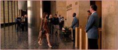 """4° step """"Di quale ingresso stiamo parlando?"""" Nel #film della redazione di #Runway, al n. 1221 della #6thavenue.  Nella realtà del #grattacielo del gruppo editoriale  della McGraw Hill, proprietario tra l'altro di #Standard&Poor, un'agenzia di #rating."""