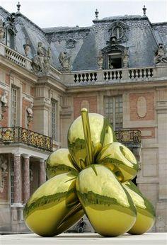 Jeff Koons at Versailles, 2008