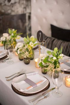 minimalist, modern & ridiculously chic - like the flowers arrangements Beautiful Table Settings, Wedding Table Settings, Wedding Table Numbers, Jennifer Rose, Deco Table, Wedding Centerpieces, Centrepieces, Event Design, Game Design