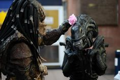 Alien and Predator. Cute / Romantism / Flower / horror