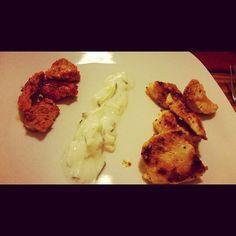 Tandooripute pfeffersteakpute tzatziki  #lowcarb #lowfat #turkey #tandoori #spice #dinner #lowfructose #lowhistamine #cucumber #garlic #pute #meat #boyfriend #loveeating #lovecooking #eathealthy #healthyfood #foodporn #foodgasm #together #glutenfrei #glutenfree #glutinchensatt by kristinafi8