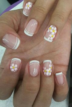 Frenç sarı Super Cute Nails, Great Nails, Simple Nails, Fun Nails, French Manicure Nails, French Tip Nails, Manicure And Pedicure, Nail Polish Designs, Nail Art Designs