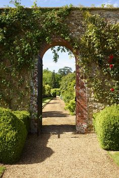 Bowood remains the epitome of an eighteenth-century English country house [i]A red brick archway overhung with roses and clematis links two garden rooms.[/i][i]A red brick archway overhung with roses and clematis links two garden rooms. Brick Archway, Garden Archway, Garden Gates, Topiary Garden, Landscaping Tips, Garden Landscaping, Walled Garden, English Country Gardens, English Farmhouse