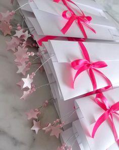 Convite 15 anos estrelas ,modelo trio , produzidos em scrapbook