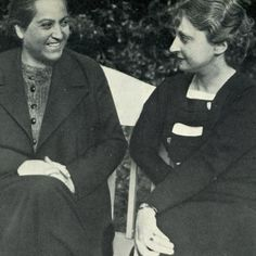 Gabriela Mistral y María Luz Morales Nail, Writers, Lights, Portraits, History