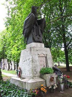 A Petőfi család síremléke a Fiumei úti Nemzeti Sírkertben