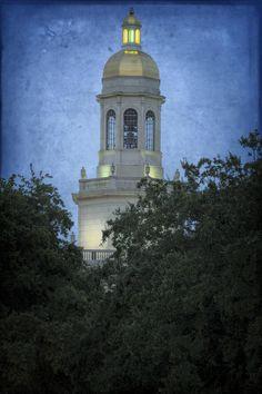 Pat Neff gold dome at Baylor University
