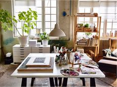 art studio 20 Artist + Creatives Live/Work Space + Storage Ideas from Ikea Art Studio Design, Art Studio At Home, Studio Room, Deco Design, Home Art, Studio Spaces, Dream Studio, Artist Workspace, Workspace Design