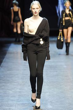 Dolce & Gabbana Fall 2010 Ready-to-Wear Collection Slideshow on Style.com