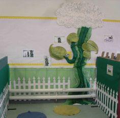 Jack and the Bean Stalk Display, classroom display, class display, Story, book, bean stalk, reading, magic, Early Years (EYFS), KS1 & KS2 Primary Resources Classroom Wall Displays, Eyfs Classroom, Class Displays, Classroom Decor Themes, Classroom Walls, Classroom Ideas, Eyfs Activities, Nursery Activities, Preschool Themes
