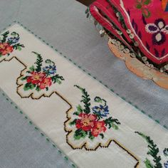 Begüldan_1991# Begüldan_Pirinçhan # NURSEL'IN MUTFAĞI #vintage #denim #kanavice #El işi #hand made #new design #facebook #Beguldan #… Cross Stitch Borders, Clay Earrings, Hand Embroidery, Bohemian Rug, Elsa, Diy And Crafts, Handmade, Home Decor, Vintage Denim
