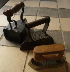 Oude strijkijzers.