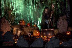 fantastic witch scene by GravenWood yard haunt Halloween Witch Decorations, Halloween Labels, Halloween Scene, Outdoor Halloween, Spooky Halloween, Halloween Pumpkins, Halloween Lighting, Halloween Ideas, Happy Halloween