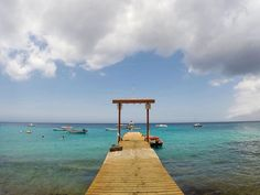 Confira no blog a galeria de fotos do Caribe. Saudades dessa viagem com lindos cenários como esse em Curaçao.  letsflyaway.com.br ------- Check out on the blog the Caribbean photo gallery. I miss this trip with beautiful scenery like this one in Curaçao.  letsflyaway.com.br ------- #caribbean #caribe #curaçao #bestvacations #igtravel #instatravel #photooftheday #picoftheday #traveladdict #travelblog #travelgram #trip #viagem #wanderlust #worldplaces #clicsdeviagens #fotografiadeviagem…