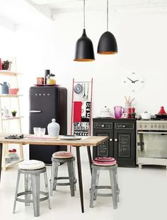 Being a neutral, black is never not in style, but it's sure enjoying a moment in the spotlight right now—especially in its subtle matte form. One place in particular that we're seeing a lot of matte black is in the kitchen.