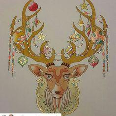 #Repost @petite_caro_loves_owls with @repostapp ・・・ Mon beau rêne de Noël, brillant et scintillant de mille feux⛄ venez me suivre sur ma page colo: www.facebook.com/lescoloriagesdepetitecaro…