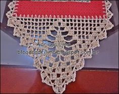 Adriana Lima: Table runners with barred crocheted Lace Doilies, Crochet Doilies, Crochet Lace, Filet Crochet, Crochet Motif, Crochet Patterns, Valentine Gifts For Mom, Crochet Boarders, Crochet Table Runner