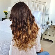 «New Effortless Waves Video coming soon on @luxyhair YouTube channel! Soooo excited to share it with you guys. It's my new fave way to wave hair   I'm…»