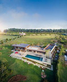 Fazenda Boa Vista: Families Enjoy Outdoor Living in this Contemporary Home