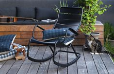Notre terrasse - L'avant / Apres #hometour - jesus-sauvage Chaise Relax, Outdoor Chairs, Outdoor Furniture, Outdoor Decor, Barcelona Chair, Jesus, Pergola, Exterior, Inspiration