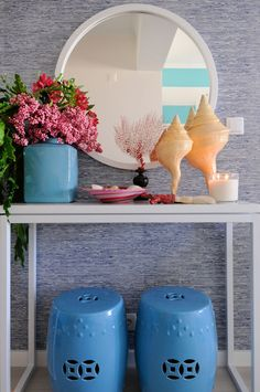 Cool Blue Maria Barros World Of Interiors, Interior Design Inspiration, Home Interior Design, Entry Tables, Asian Decor, Entry Hall, Inspired Homes, Home Furnishings, Sweet Home