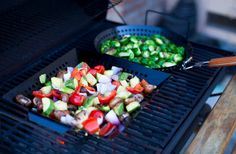 6 types of grill accessories that will take your BBQ skills to the next level! Barbecue Recipes, Bbq, Smoker Designs, Grill Accessories, Cobb Salad, Grilling, Cooking, Ethnic Recipes, Fire