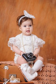 Fotografii de un an - Constantin Alin Photography Girls Dresses, Flower Girl Dresses, Studio, Wedding Dresses, Baby, Photography, Fashion, Dresses Of Girls, Bride Dresses