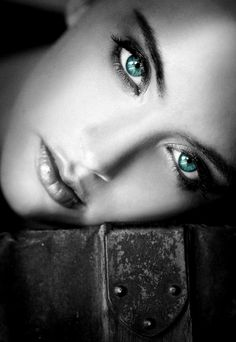 Beautiful colorful pictures and Gifs: Beautiful blue eyes. Ojos azules
