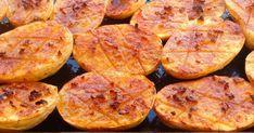 Patatas al horno con ajo y pimentón    Hoy una receta clásica en muchas casas, muy española y que está rica, rica, rica! Son unas ...