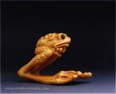The Ashinaga-Frog Netsuke